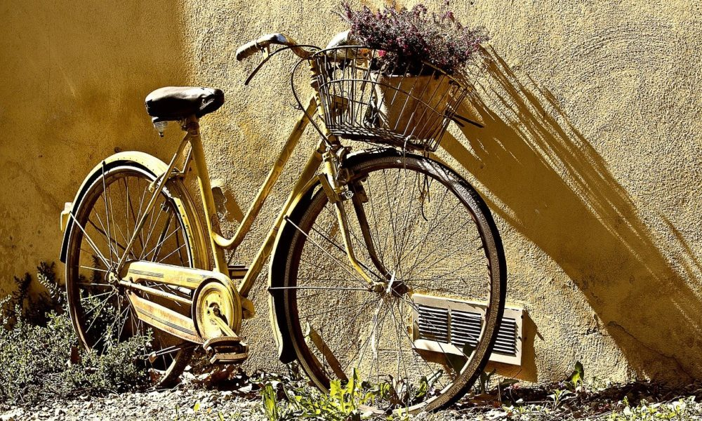 Każdy pasjonat jazdy rowerowej z pewnością oczekuje, aż wszelakie śniegi i lody odejdą już w niepamięć.